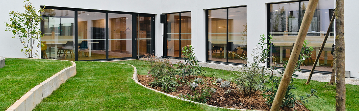 green spaces in student residence Housing By Dauphiné in Saint-Ouen near Paris